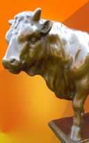 LARGE PRIZE BRONZE  BULL  HOT CAST  STATUE